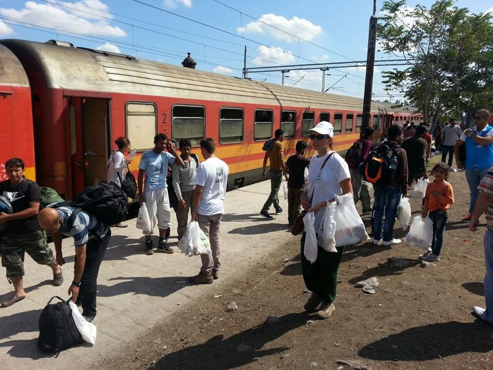 Zavod KROG pomaga beguncem v Makedoniji