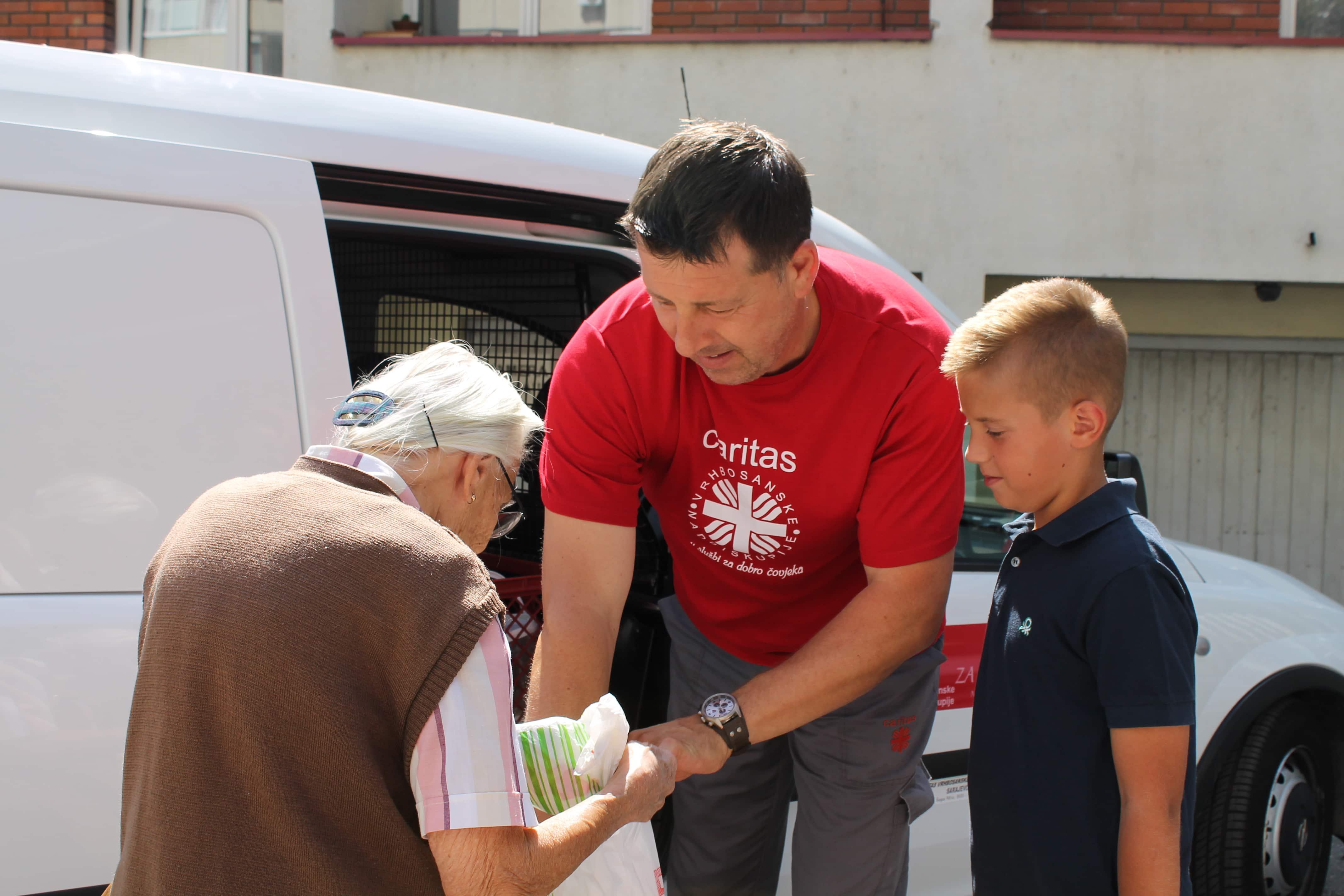 Začetek dobrodelne akcije Ne pozabimo za pomoč revnim na Balkanu 2018