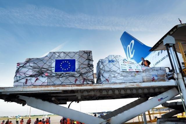 EU partnerjem po svetu v boju proti koronavirusu pomagala s 25 milijardami evrov