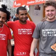 Druženje mladih Slovencev in mladih migrantskih korenin. Vir: Slovenska karitas