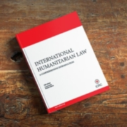 knjiga Mednarodno humanitarno pravo. Vir: ICRC